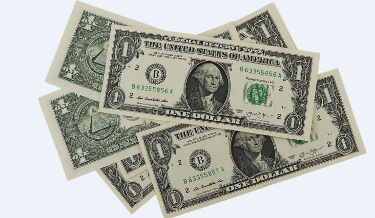 Reasons to Save your Nigerian Naira in Dollars (USD)