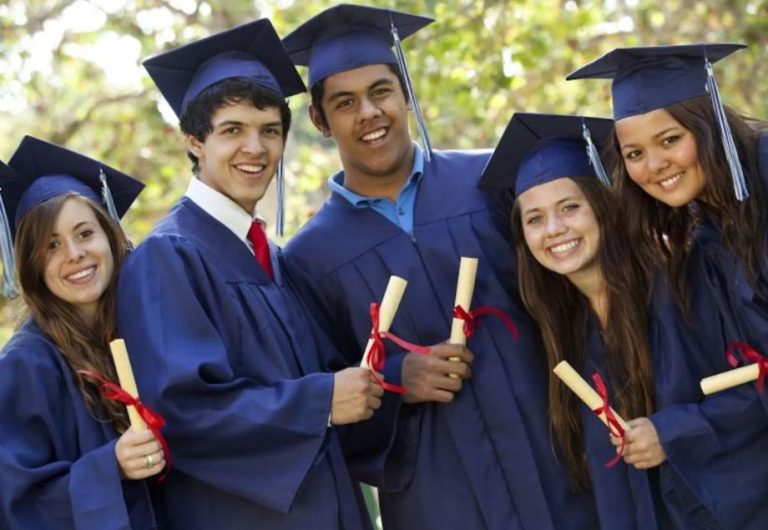 How to Apply for Full Ride Scholarships (worth $5,500) in the USA